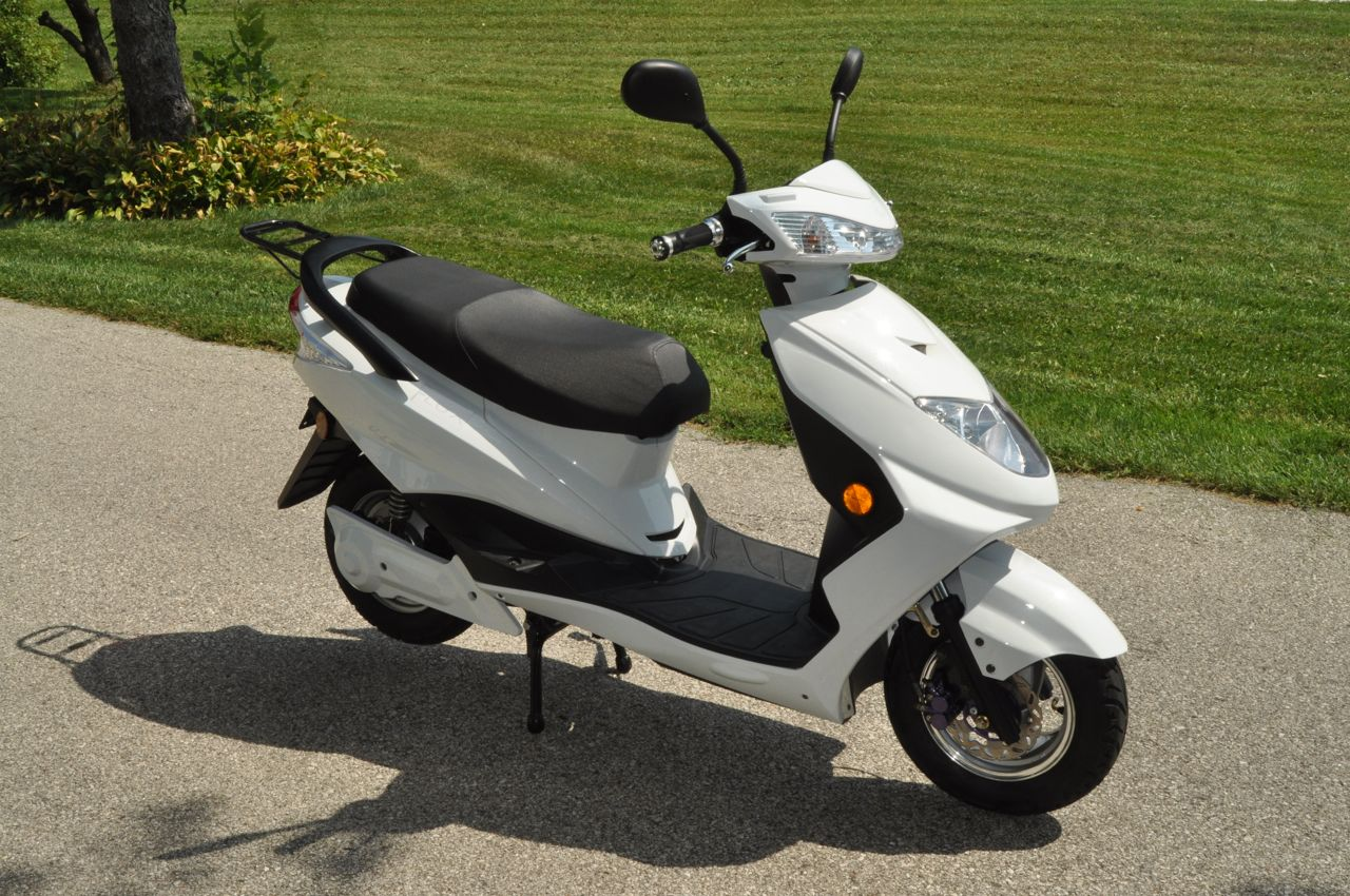 Electric Scooter Review 2014 Flux Mopeds Em1 Electric Scooter
